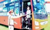 Xe khách chở 40 người từ vùng dịch Covid-19 về Nghệ An trốn khai báo y tế