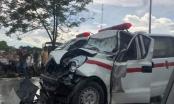Nghệ An: Xe cấp cứu chở sản phụ gặp tai nạn, 3 người thương vong