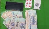 Cần Thơ: Khởi tố 11 đối tượng đánh bạc ăn tiền bất chấp giãn cách xã hội