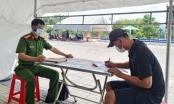 """Tài xế xe """"luồng xanh"""" chở người từ vùng cách ly y tế vào Hà Tĩnh"""