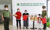 Công an TP Cần Thơ trao hơn 1.500 phần quà cho con CBCS mắc bệnh hiểm nghèo
