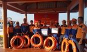 Cứu nạn thành công 8 thuyền viên ở vùng biển Thừa Thiên - Huế
