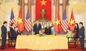Tổng Bí thư, Chủ tịch nước Nguyễn Phú Trọng và Tổng thống Mỹ chứng kiến lễ ký kết 4 văn kiện hợp tác