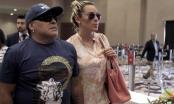 Bị tố nợ tiền bạn gái cũ, Maradona bị bắt ngay ở sân bay