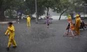 Bão suy yếu thành áp thấp nhiệt đới, loạt phố Hà Nội có thể ngập sâu