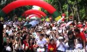 3.000 học sinh lớp 1 Hà Nội được tặng mũ bảo hiểm
