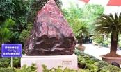 Trao tặng khối đá Saphia 14 tấn cho tỉnhThừa Thiên Huế