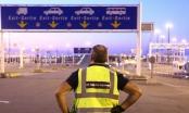 Phát hiện 8 người nhập cư trong xe tải đông lạnh từ Pháp sang Anh