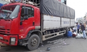 Xe tải tông 6 xe máy đang dừng đèn đỏ