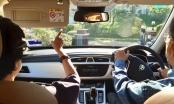 Tỉnh yêu của Thủ tướng 94 tuổi lái xe chở vợ đi hẹn hò cuối tuần