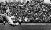 Người hùng Munich, huyền thoại Harry Gregg của Man United qua đời