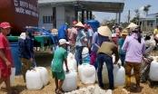 """Xe cứu hộ chở nước ngọt miễn phí """"giải khát"""" cho vùng hạn mặn"""