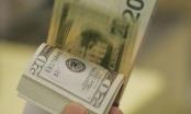 Nhà đầu tư ngoại rút vốn: USD-bài toán khó về tỉ giá