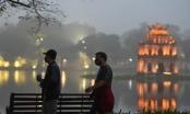 Nhộn nhịp cảnh tập thể dục quanh Hồ Gươm sau lệnh cách ly toàn xã hội