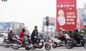 Hà Nội tiếp tục cách ly xã hội, người ra đường vẫn còn đông
