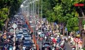 TP Hồ Chí Minh: Đường phố tấp nập, nhiều người không đeo khẩu trang trong ngày đầu tiếp tục giãn cách xã hội