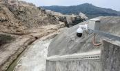 Chùm ảnh: 'Đánh cắp' nguồn nước của dòng sông ở Tây Nguyên