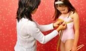 Giật mình hàng trăm bé gái 3-4 tuổi đã dậy thì không rõ nguyên nhân