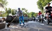 'Vật lộn' với rác thải ùn ứ, chất đống ở Hà Nội