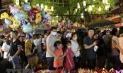 Người dân Hà Nội vui đón Tết Trung Thu trên các tuyến phố trung tâm