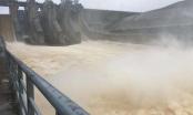 Thừa Thiên Huế cho học sinh nghỉ học, các hồ thủy điện điều tiết xả lũ do mưa lớn