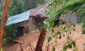 Quảng Ngãi: 2.000 dân bị cô lập do sạt lở núi