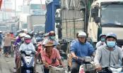 Người Sài Gòn tấp nập đi tảo mộ, quốc lộ kẹt cứng