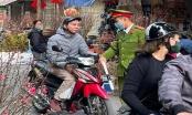 CAQ Hoàn Kiếm xử phạt nhiều trường hợp không đeo khẩu trang tại phố cổ
