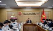 Bộ trưởng GD&ĐT: Tuyệt đối không buông lỏng tập huấn SGK lớp 2, lớp 6