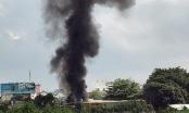 Vựa phế liệu cháy, khu dân cư ở Sài Gòn náo loạn