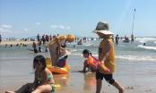 Người dân đổ về Vũng Tàu tắm biển những ngày Tết tăng đột biến