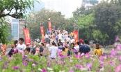 Toát mồ hôi, chen nhau trong công viên Thủ Lệ dịp nghỉ lễ
