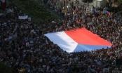 Hình ảnh quốc tế ấn tượng: Cuộc biểu tình lớn nhất trong nhiều thập kỉ ở Praha