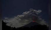 Bali - Indonesia: Núi lửa phun trào, hàng loạt chuyến bay bị hủy