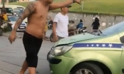 """[Clip]: Va chạm giao thông, thanh niên xăm trổ đòi """"xử lý"""" tài xế xe tải"""