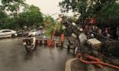 Đang lưu thông trên đường, cột điện bất ngờ đổ làm 1 người đàn ông tử vong vì điện giật
