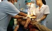 Nghệ An: Thiếu niên 13 tuổi cắt cổ tự sát không thành