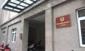 Vụ Trưởng Công an phường Trúc Bạch bị tố quỵt nợ: Kỷ luật khiển trách là quá nhẹ so với hành vi vi phạm?