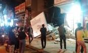 Kinh hãi với clip ngôi nhà 2 tầng đổ sập trong đêm ở xứ Thanh