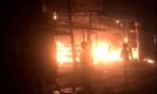 Bà hỏa ghé thăm trong đêm, cửa hàng điện máy Nhà Xinh bị thiêu rụi