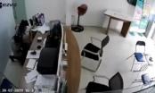 Đối tượng dùng dao kề vào cổ nữ nhân viên ở cửa hàng Viettel khai gì tại cơ quan Công an?
