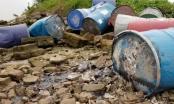 Lộ diện danh tính đối tượng đổ hóa chất xuống sông Hồng ở Thanh Trì
