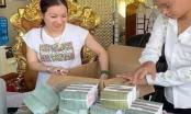 Khi khám nhà Đường Nhuệ, Công an tỉnh Thái Bình thu được nhiều cọc tiền mệnh giá lớn