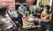 Ăn nhậu tại gia đình trong lúc giãn cách, 5 người bị phạt 75 triệu đồng
