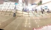 Giàn giáo đổ sập trong sân bay Tân Sơn Nhất