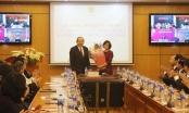Phó Thủ tướng thường trực Chính phủ trao Quyết định bổ nhiệm Thứ trưởng Bộ Tư pháp cho bà Đặng Hoàng Oanh