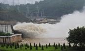 Chiều nay Thủy điện Hòa Bình mở thêm 1 cửa xả đáy