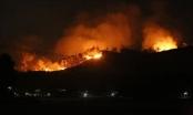 Người dân Hà Tĩnh lại sơ tán khẩn cấp trong đêm vì rừng tái cháy