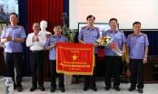 Viện Kiểm sát nhân dân tỉnh Bình Dương vinh dự nhận cờ thi đua của Chính phủ