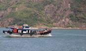 """Những chuyến tàu vượt biển """"chở Tết"""" ra đảo Cù Lao Xanh"""